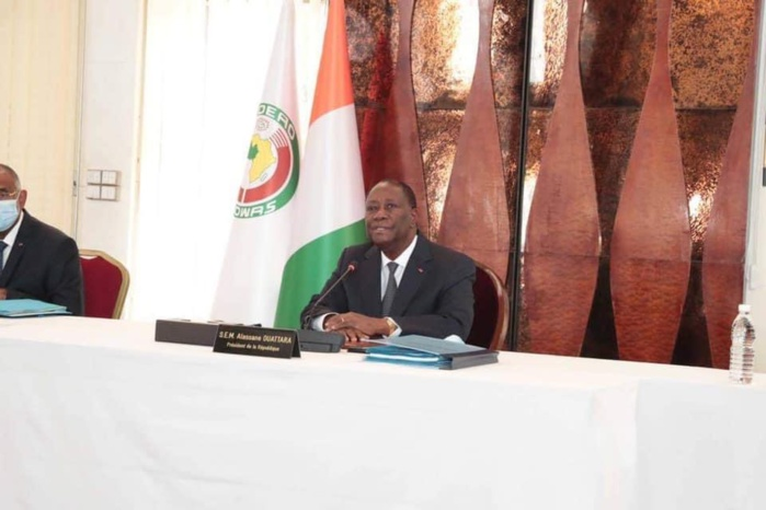 Présidentielle en Côte d'Ivoire : Alassane Ouattara annonce sa candidature.
