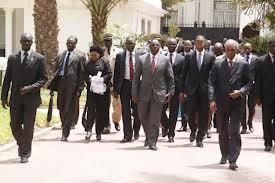 Le conseil des ministres accueille ses nouveaux membres.