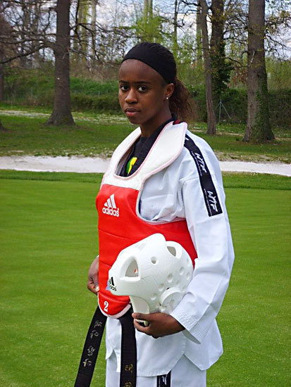 Taekwondo : Bineta Diédhiou, championne d'Afrique et meilleure combattante du tournoi