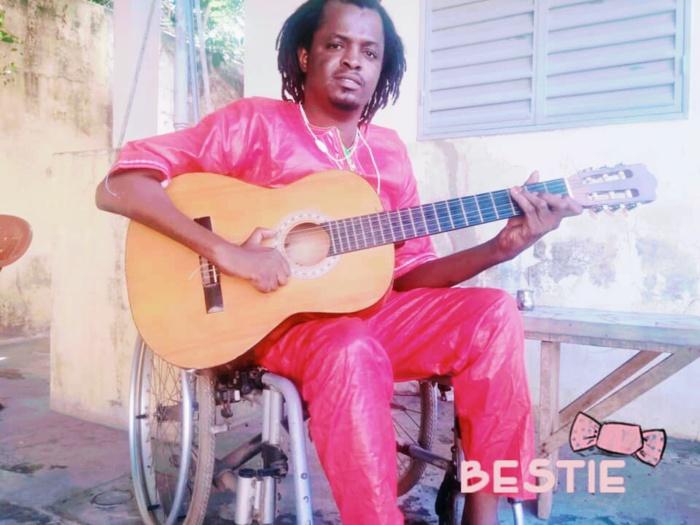 KOLDA / Mamadou Diamanka, artiste-musicien handicapé : « Ma situation de handicap m'encourage à réussir… La musique est un travail comme tous les autres… Le handicap n'est pas physique mais... »