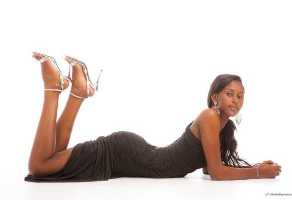 Meme mariée, l'ex miss Sénégal Fatima Diallo garde toujours sa ligne et est toujours aussi belle