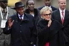 Me Wade entouré de son épouse, de l'ex-ambassadeur du Sénégal en France et du général Bara Cissokho.