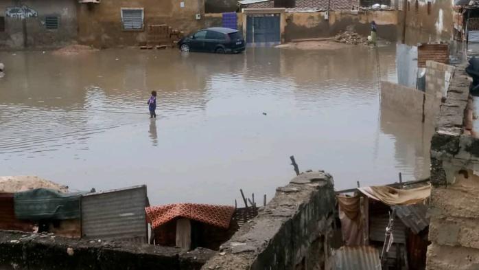 Inondations à Kaolack : Une partie de la population de Médina Mbaba et Fass Cheikh Tidiane dort cette nuit à la belle étoile.