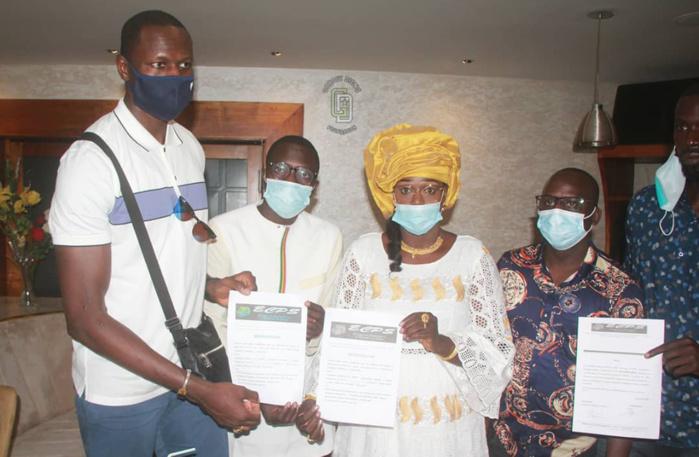 Réfection de maternités situées aux Îles du Saloum : Le basketteur Gorgui Sy Dieng remet un financement.