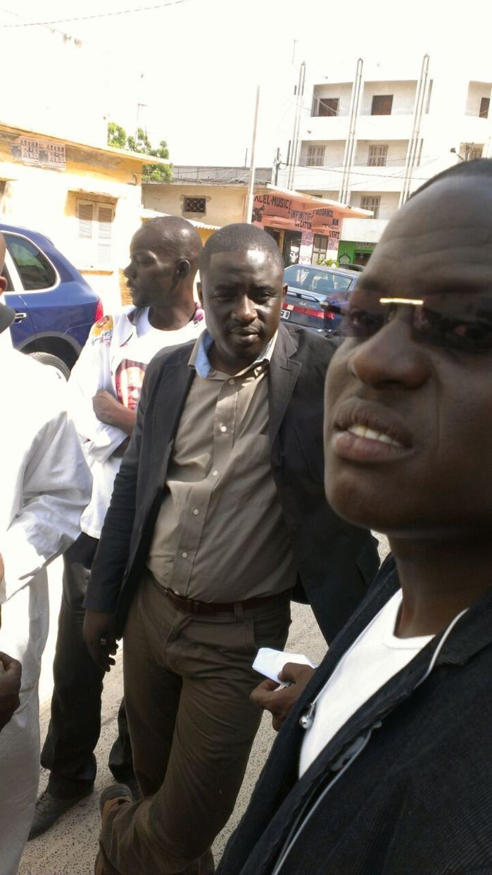 Ambiance devant la Section de recherches : en libérant ces oiseaux, Bachir Diawara en espère autant pour son ex-patron, Karim Wade.