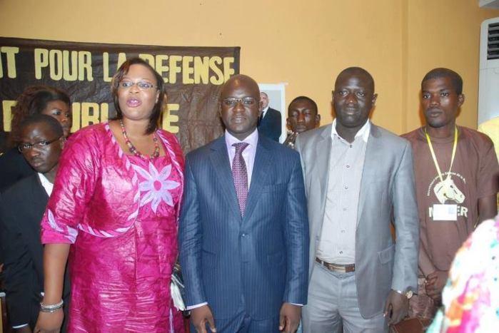 Communiqué de presse : le Mouvement Jambaar renouvelle sa confiance à SEM le Président Macky SALL