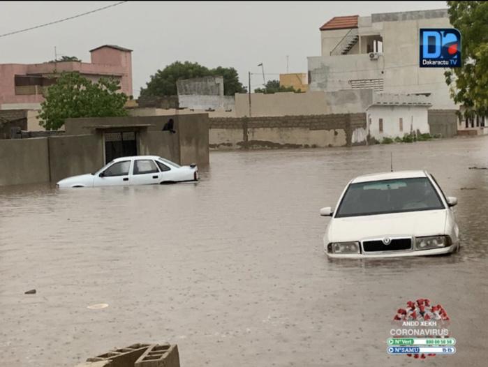 DIOURBEL SOUS LES EAUX/ Des routes coupées, des maisons inondées, la mosquée et l'école Mame Cheikh Saliou Fall inaccessibles...