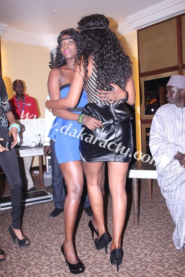 Les danseuses Ndeye Gueye et Mbathio Ndiaye