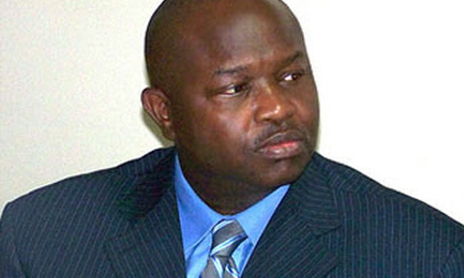 Tender se démarque d'Alioune Badara Cissé.