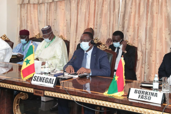 Rencontre CEDEAO-CNSP : Le président Macky Sall à Accra.