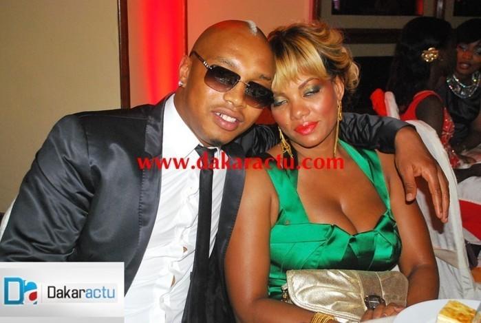 El hadj Diouf et sa femme Valérie Bishop à un diner de gala au King Fahd Palalce