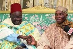 """Me Abdoulaye Wade se souvient du défunt Khalif des Tijanes :"""" Serigne Mansour Sy était un ami de longue date..."""""""