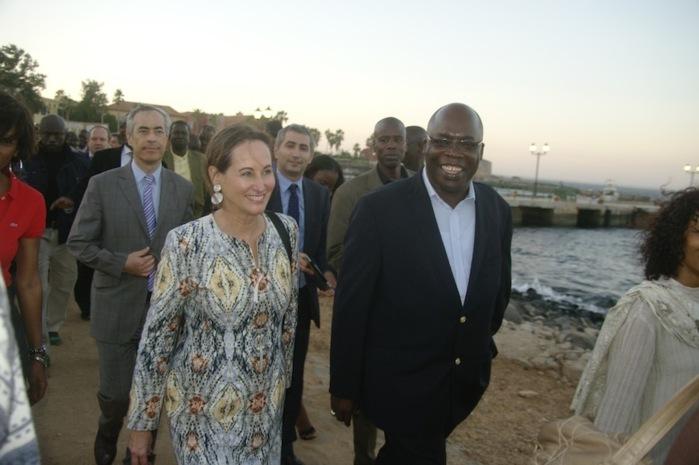 Le Ministre de la Culture, Abdoul Aziz Mbaye et Ségolène Royal visitent l'île de Gorée