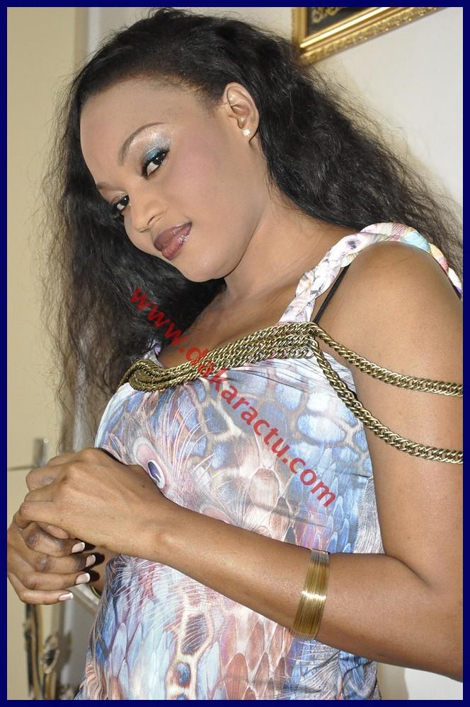Mariama Ba (chanteuse) : un vrai festival de photos sexy !