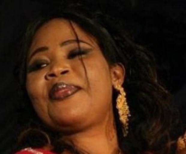 """Depuis le décès de Serigne Mansour Sy, la chanson de Fatou Guéweul """"Serigne Cheikh"""" est mise en boucle par les radios de la place"""