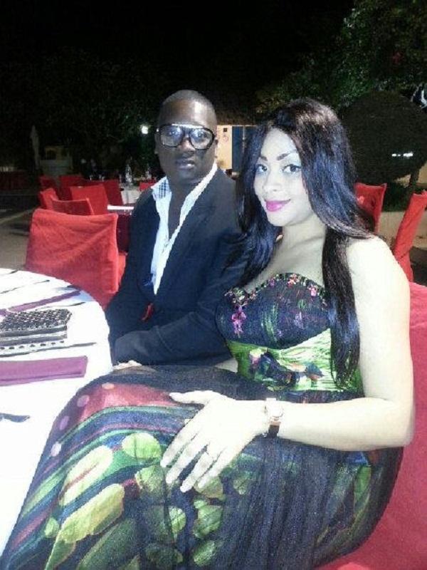 Adja Ndoye en compagnie de son ancien entremetteur Doudou au mariage de Amina Niang et Mourtalla Mbacké