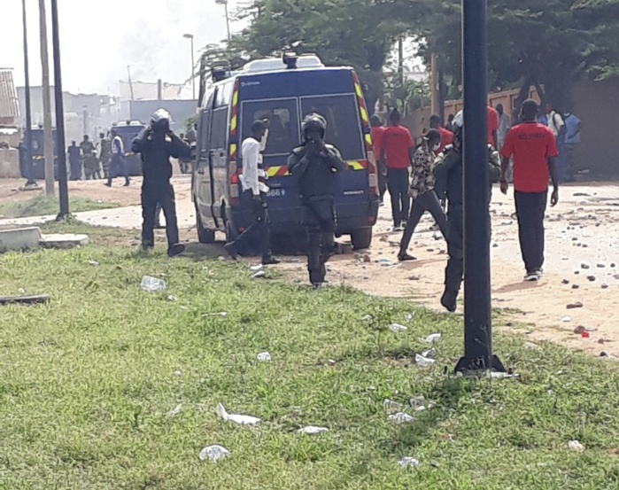 Cité Terme Sud de Ouakam : des familles s'opposent à leur déguerpissement par la Comico et affrontent les forces de l'ordre...