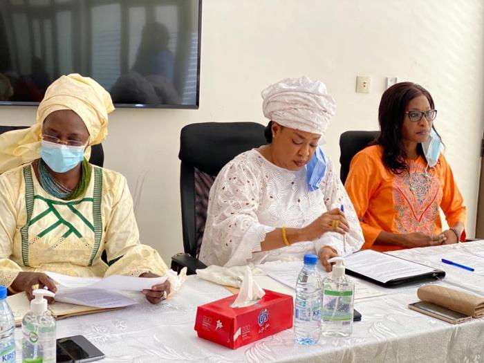 Ndèye Saly Diop Dieng aux femmes républicaines : «Il s'agit, après avoir conquis le pouvoir, de nous y maintenir afin de permettre à notre pays de continuer à tirer profit de la pensée généreuse et patriotique du président Macky Sall».