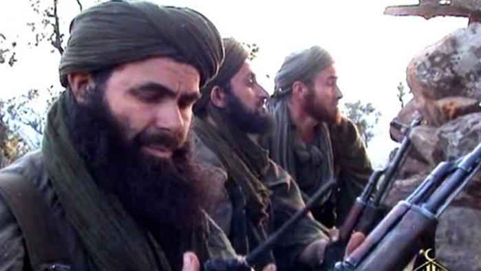 Al-Qaïda menace Macron et appelle à tuer quiconque insulte le prophète.