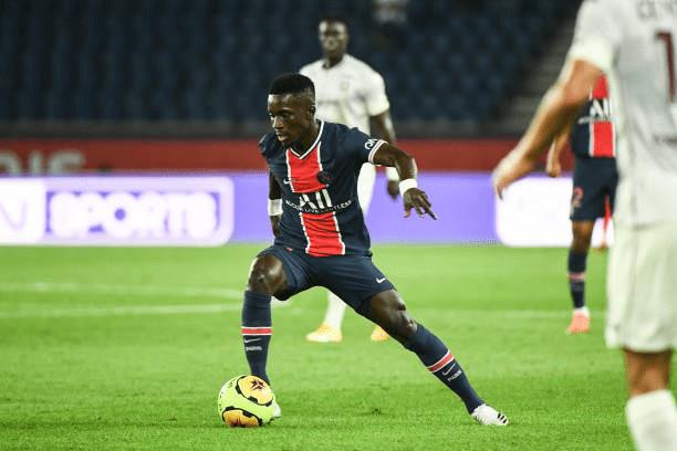 PSG : Gana Guèye victime d'une lésion des ischios jambiers selon le club.