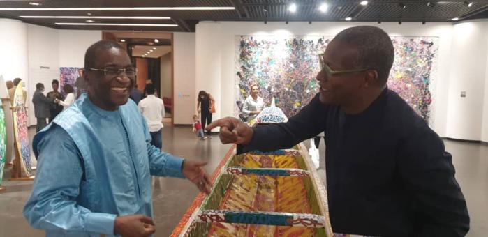 Exposition «HÉRITAGE» : Les présidents Racine SY et Oumar SOW au rendez-vous de l'hommage du graffeur JonOne à l'Afrique.