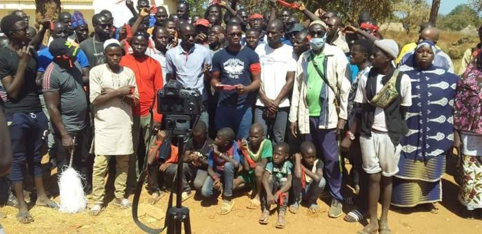 KÉDOUGOU / AXE BEMBOU - SABODALA :Les jeunes montent au créneau pour exiger le bitumage de la route de L'OR.