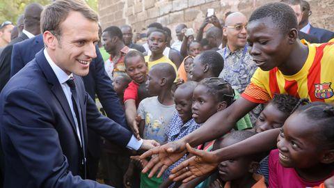 """Relation France-Afrique / Macron fait les yeux doux au continent noir : """"Nous avons une part d'Afrique en nous"""""""