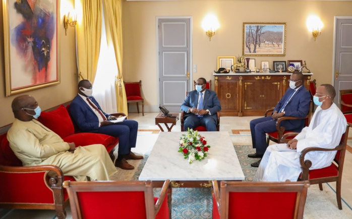 Candidature à la présidence à la CAF : Le président Macky Sall reçoit Me Augustin Senghor.