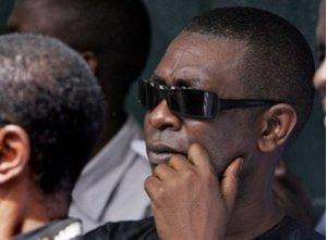 En tournée officielle : Youssou Ndour embarque ses enfants.