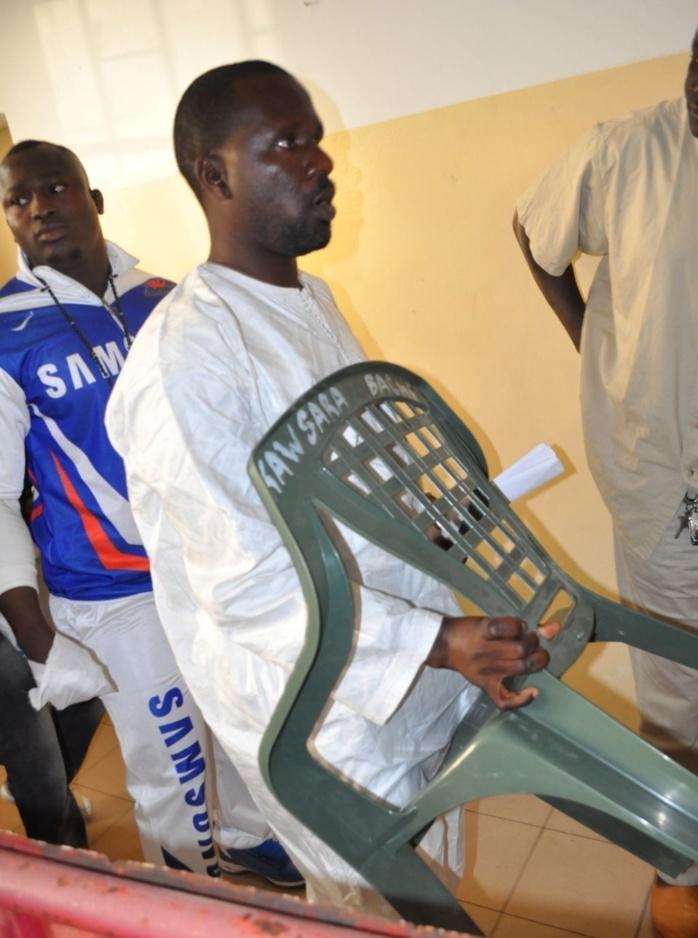 Lutte: Pour des raisons mystiques, Ass, le manager de Modou Lo apporte une chaine au stade pour son poulain