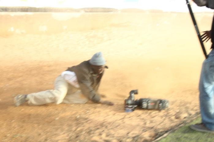 Les images du caméraman tombé en suivant la voiture de Balla Gaye II