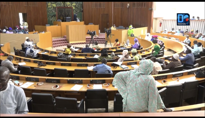 Assemblée nationale : Des députés proposent une « accélération des procédures » pour réduire les longues détentions.