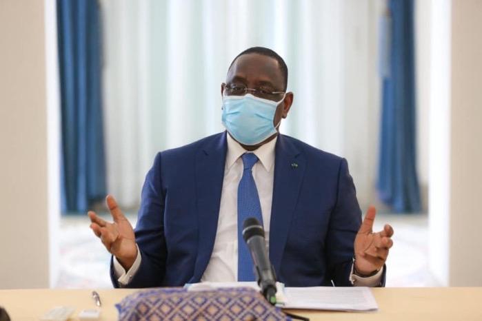 Réapparition de cas de Covid-19 : Macky Sall demande le renforcement des contrôles systématiques du port du masque dans les transports, lieux et établissements publics.