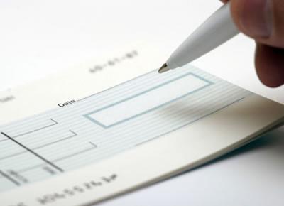 La dépénalisation de chèques sans provisions est une véritable licence accordée délibérément aux escrocs en col blanc.