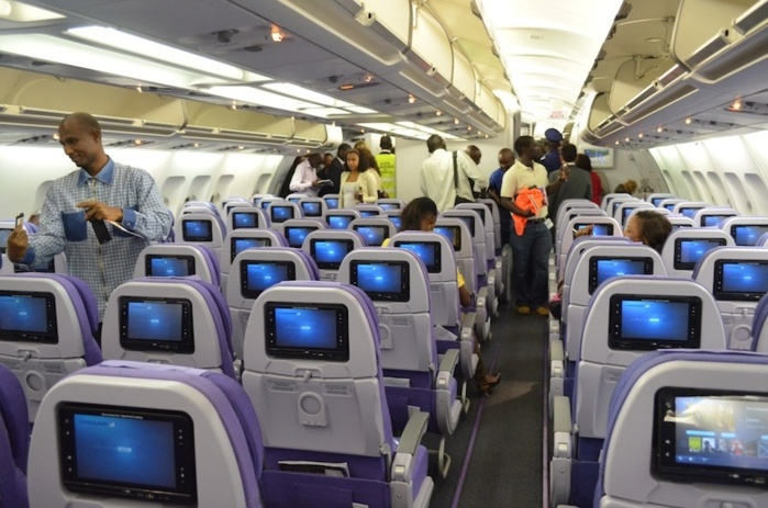 Visite guid e de l 39 a330 300 de corsair international for Avion 747 interieur