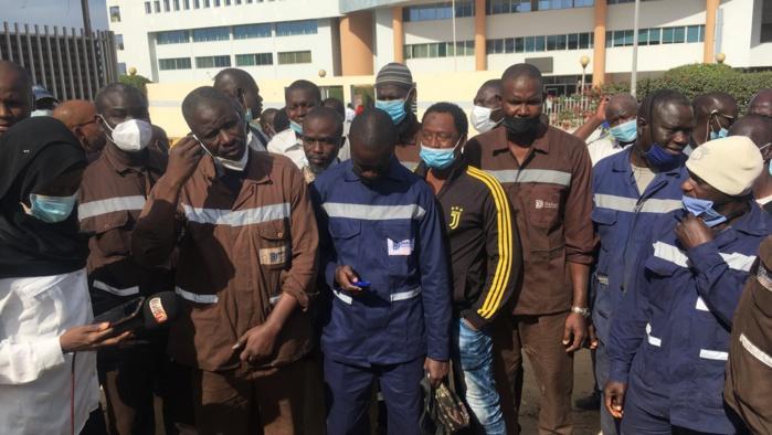 Prime de salissure : Les 128 agents de Dakarnave chargent leur tutelle pour le paiement intégral de la prime de 4.100 Fcfa/mois non versée depuis 8 années.