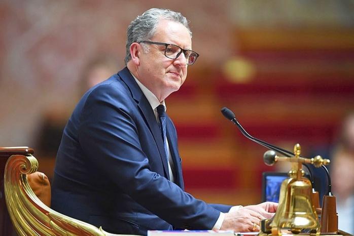 France : Cas contact de Macron, le président de l'assemblée nationale Richard Ferrand contraint de quitter en urgence le conseil régional et placé en quarantaine.