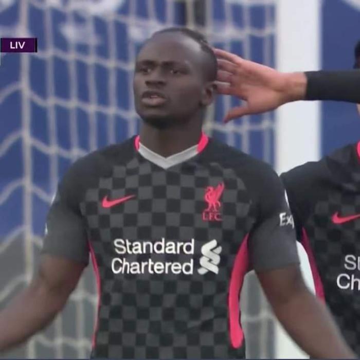 Liverpool : Remplacé par Salah à l'heure de jeu, Sadio Mané furieux contre Jürgen Klopp.