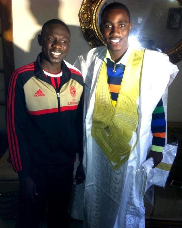 Pape Diouf offre un boubou à Waly Seck