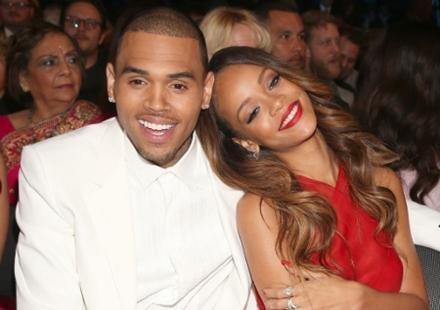 Rihanna : son père veut la marier avec Chris Brown