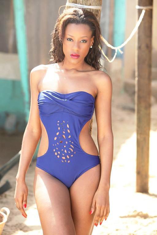 Le mannequin Dyana Seck en mode bikini