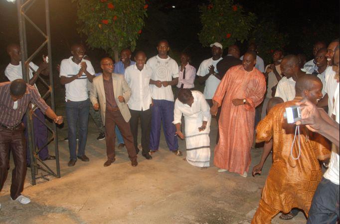 Les pas de danse de Macky Sall