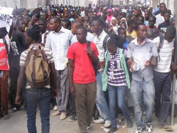 Recrutement de 5500 jeunes dans la Fonction Publique: Le Directeur ébahi par le nombre de demandeurs