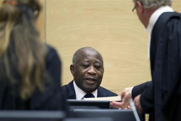 """Gbagbo à la CPI : pour la défense, le """"récit du procureur est biaisé"""""""