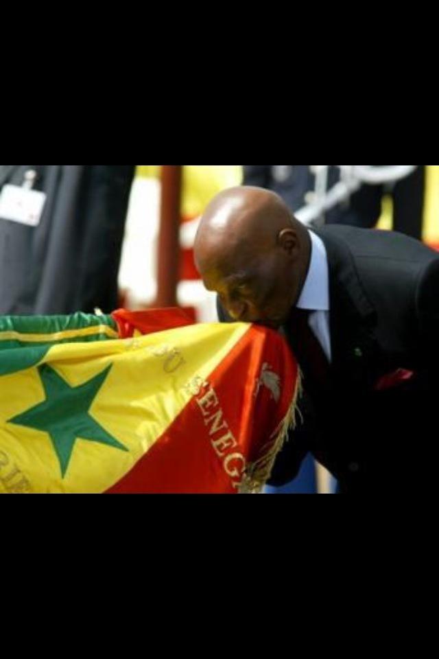 Président Wade et le drapeau national !