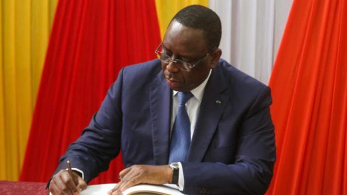 Nouvel an : Le président Macky Sall gracie 854 détenus.