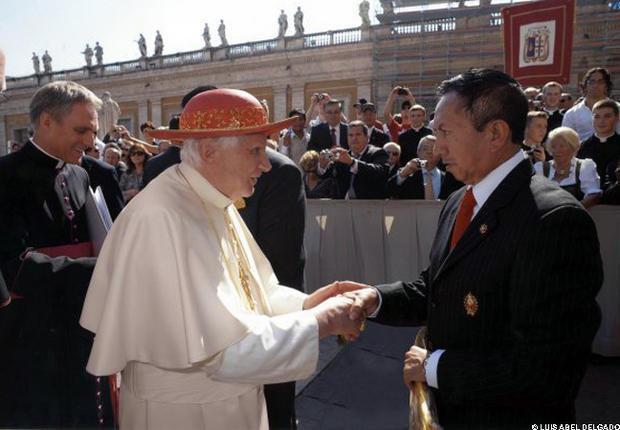 Pape: Luis Abel Delgado habillera le nouveau Saint Père