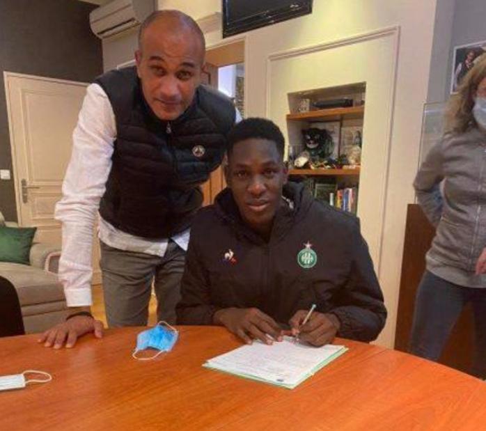 Transfert : Le gardien sénégalais, Boubacar Fall, signe à Saint-Etienne.