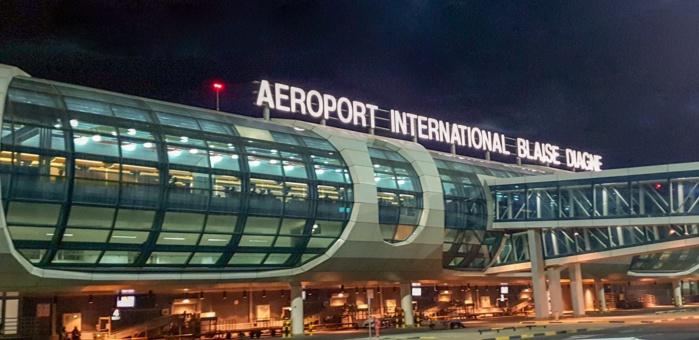 COUVRE-FEU ET VOLS DE NUIT: Compagnies aériennes, Voyageurs et les accompagnants dans l'expectative