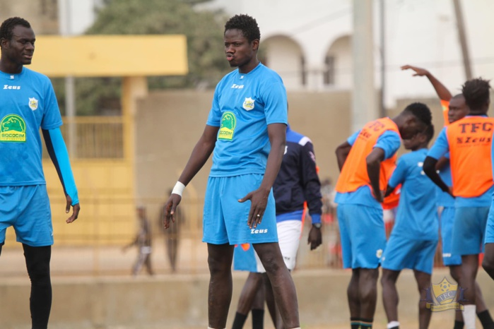 """Raja - Teungueth FC / Malickou Ndoye refait le match : « Ils ont tenté de mettre la pression sur l'arbitre… Avec la pluie, nous avons fait du """"Navétane"""" pour gagner »"""
